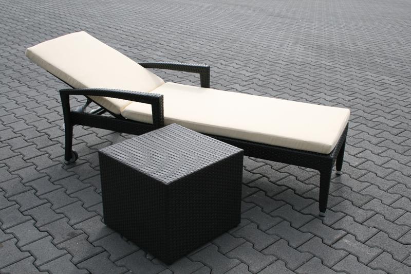 rattan liege rollliege gartenliege gartenm bel schwarz ebay. Black Bedroom Furniture Sets. Home Design Ideas